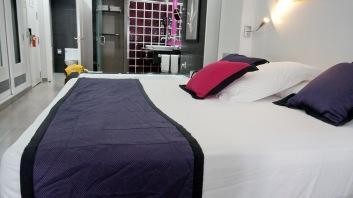 這紫色毯子好像照完相就沒用了!