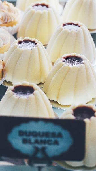 香草蛋糕白巧克力皮